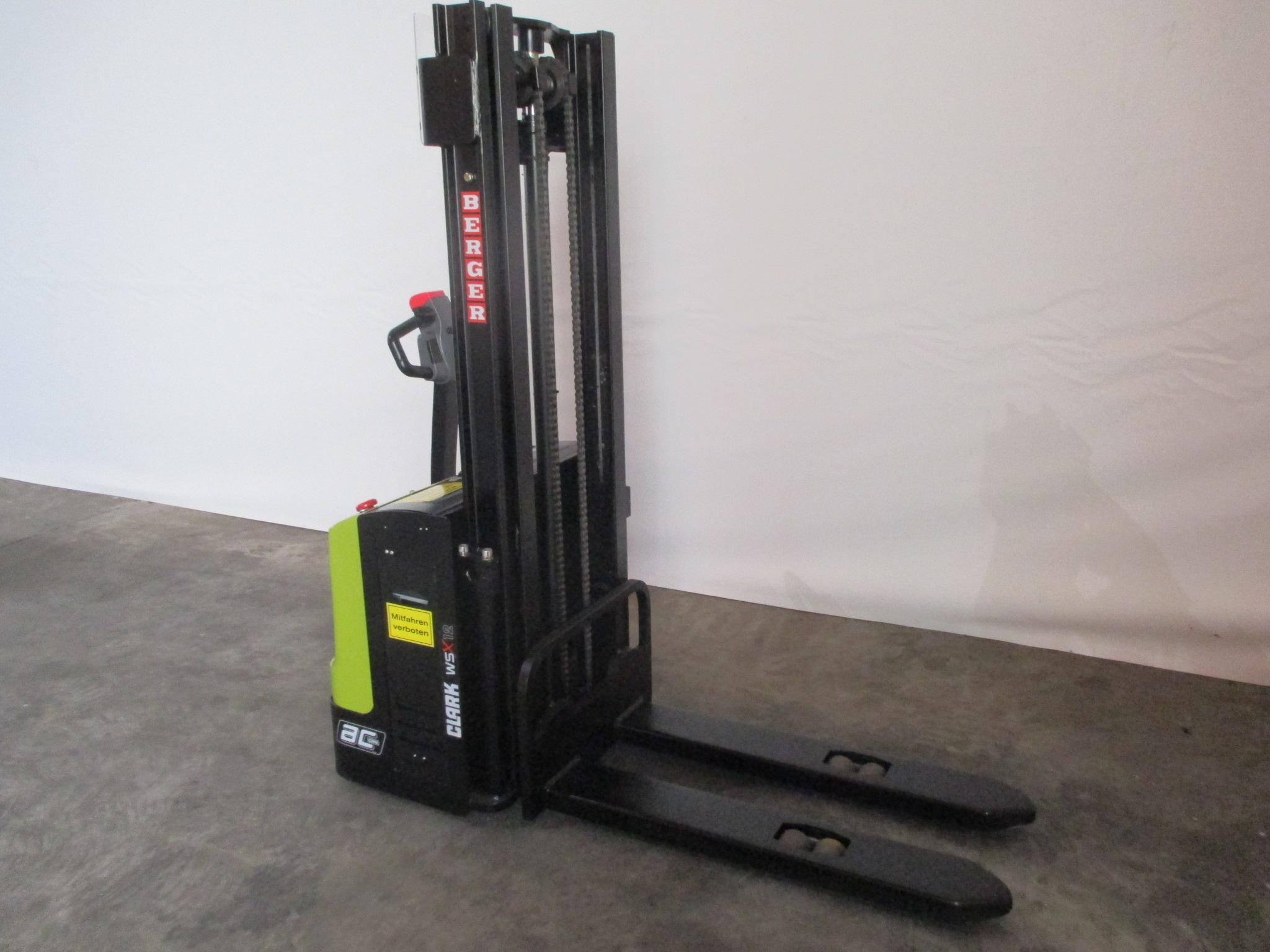 clark wsx 12 elektro hochhubwagen gabelstapler gebraucht. Black Bedroom Furniture Sets. Home Design Ideas